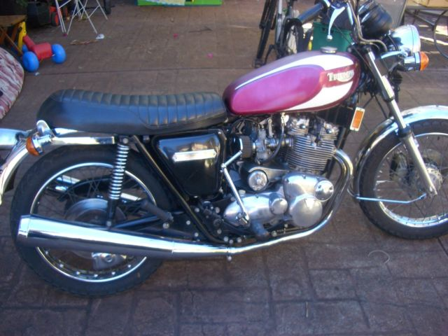 TRIUMPH T160 1975  MATCHING NUMBERS  ELEC. START