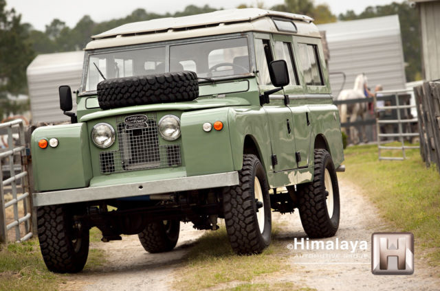 1967 Land Rover Defender Series 109  2a