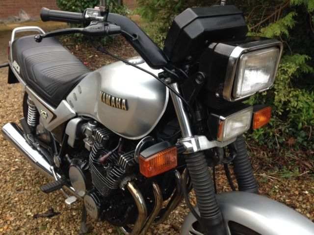 1984 Yamaha XJ 750 S - Moto.ZombDrive.COM
