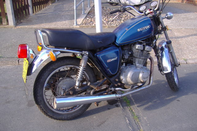 1981 SUZUKI  BLUE  low mileage     23821