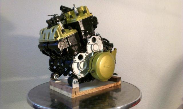 Suzuki RG500 notor engine rebuild