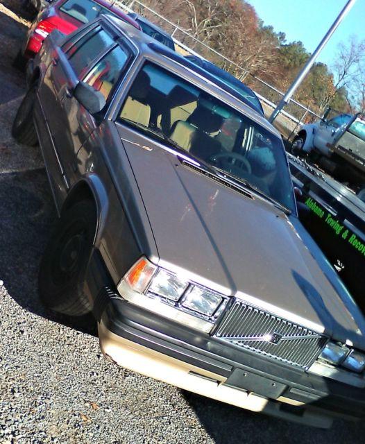 89 Volvo 740 GL