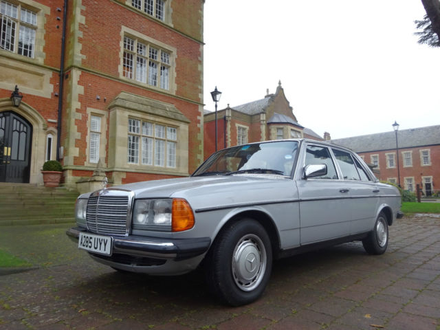 1984 MERCEDES W123 230E AUTO SILVER CLASSIC LOW MILES **REDUCED** CAR COLLECTORS