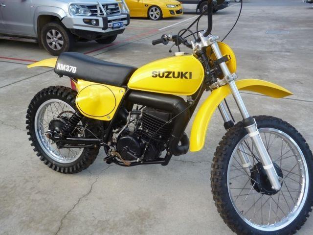 Suzuki RM370 A Yellow 1976 Fully Restored Motorcross Bike