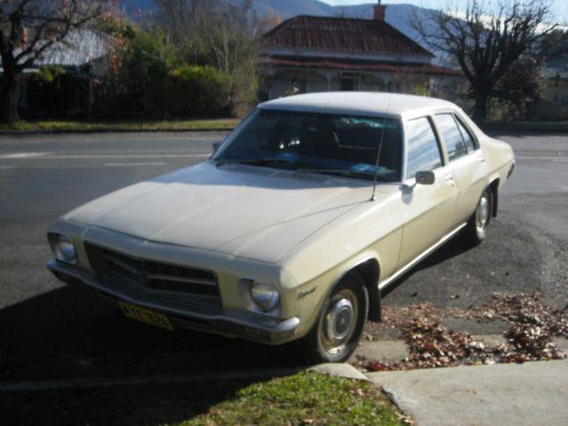 Holden Kingswood HQ 1972 sedan