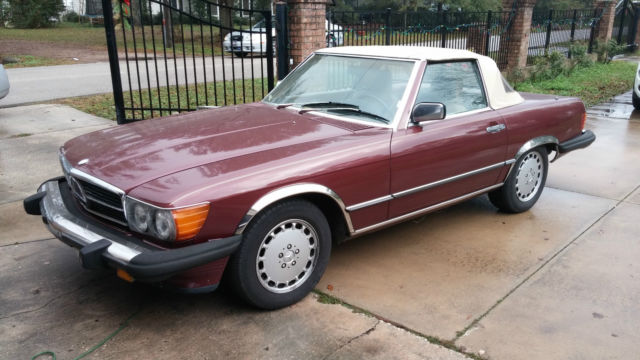 1986 Mercedes-Benz 560SL Base Convertible 2-Door 5.6L