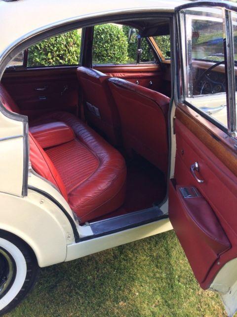1965 Daimler V8