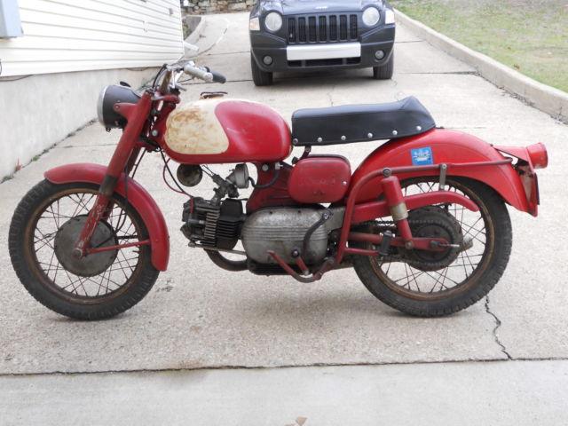1961 250 Harley Davidson Sprint Motorcycle