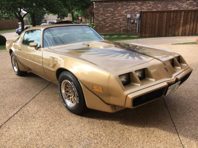 1979 Pontiac Trans AM WS6 (Solar Gold)