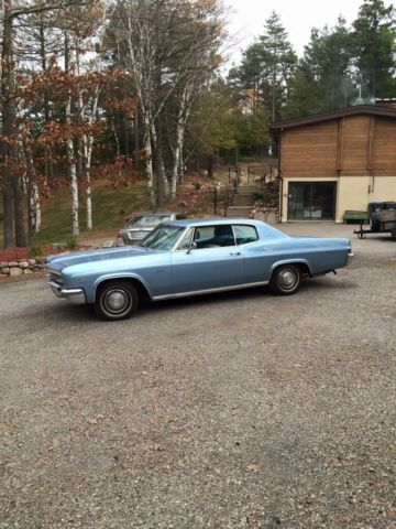 Chevrolet: Caprice 2 door A/C, cloth interior