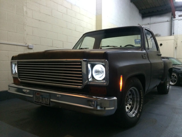 1975 CHEVY C10 PICK UP TRUCK  Step side  V8