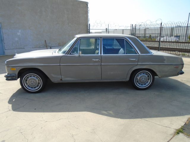 1971 Mercedes-Benz 200-Series 250 4 Door Sedan Under 75K, Stk#238304, NO RESERVE