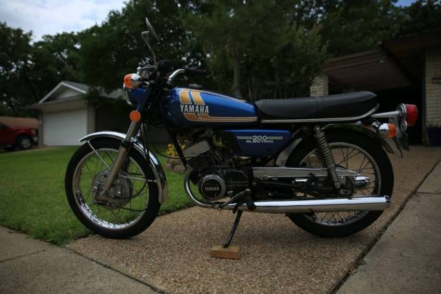 1975 Yamaha RD200B – 3540 Miles – Clear Texas Title