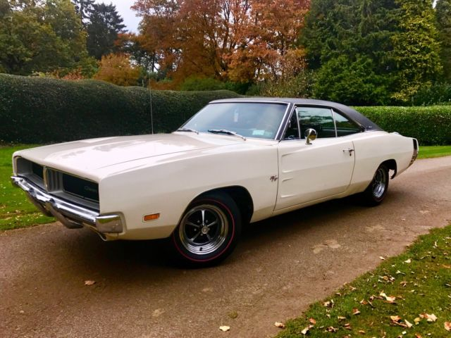 Dodge Charger 1969 SE Special Edition, Factory Power Windows!