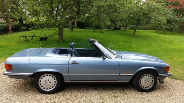 MERCEDES 420 SL  (engine size 4200) Sports convertible metallic blue 1988