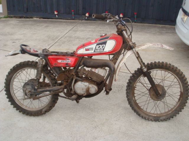 Yamaha DT100 trail bike 1975 classic with compliance plate great project NR