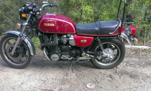 Yamaha XS1100 + spare parts bike