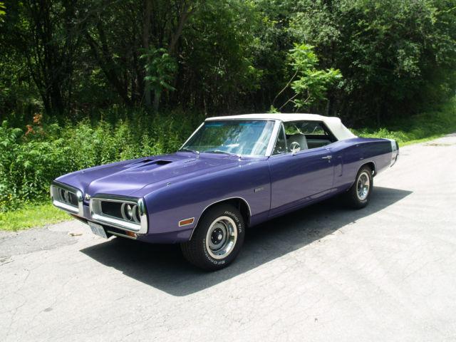 1970 Dodge Coronet Convertible Super Bee Hemi Pistol Grip 5 speed Mopar Purple