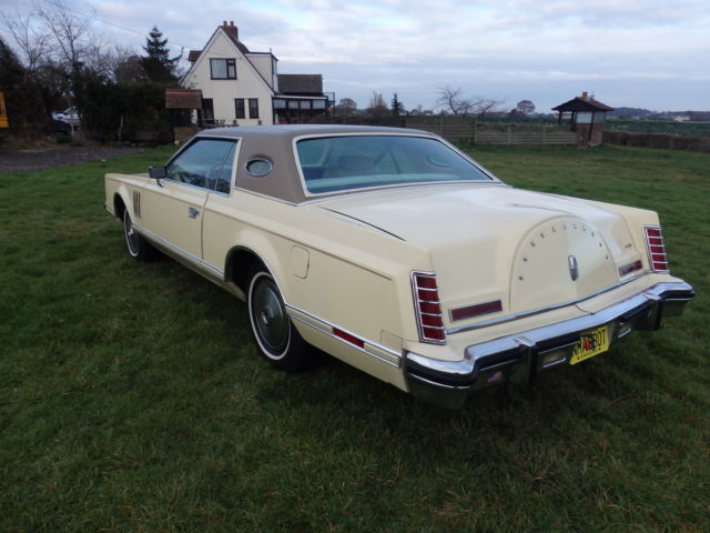 LINCOLN  CONTINENAL1979 MK 5. PORTHOLE 50K MILES ONLY ONE OWNER IN CAMEL/CREAM