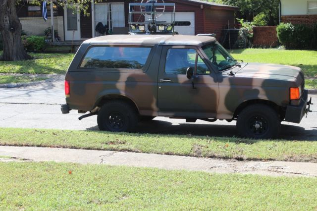 1989 FORD BRONCO XLT 5.O - NEW MOTOR/TRANS/paint