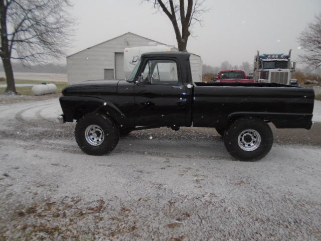 1961 Ford F-250  High Boy Short Bed