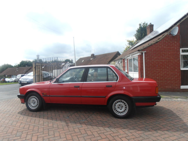 BMW E30 320i AUTO 1989 F REG STORED IN HEATED GARAGE LOVELY GENUINE CONDITION