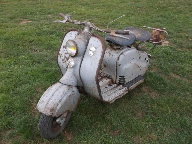 1954 Lambretta LD125 Scooter  Barn Find