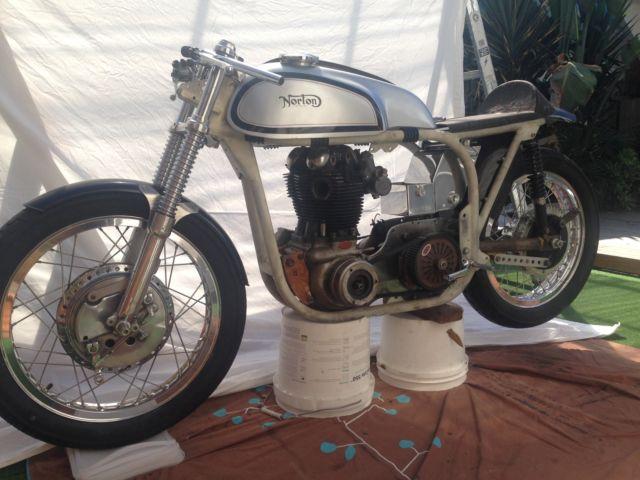 Norton Manx / Featherbed 650ss road racer / café racer / weekend show piece