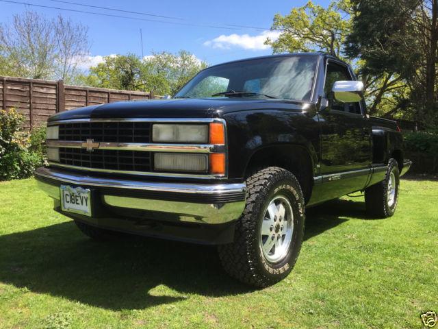 1990 Chevrolet 1500 step side pickup truck 4x4 5.7 V8 Running on LPG in Black .