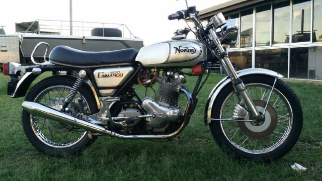 NORTON COMMANDO 850CC