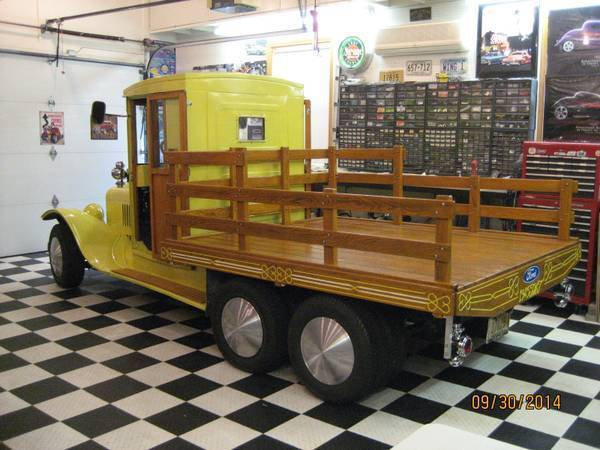 "1925 FORD MODEL ""TT"" FLATBED ""WOODIE""  ROD"