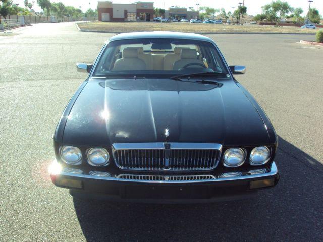 1989 Jaguar XJ6 - Vanden Plas