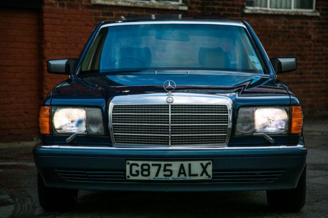 1990 MERCEDES 300 SE AUTO BLUE