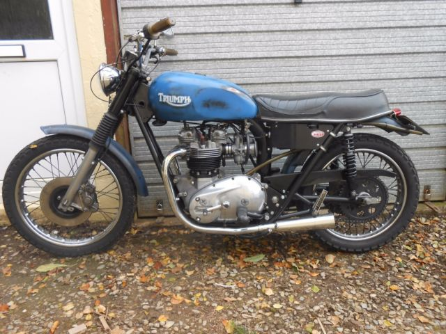 Triumph T140 - Rat bike - Survivor - Street Tracker - Bar hopper