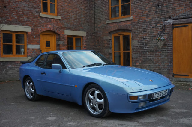 1986 PORSCHE 944 BLUE