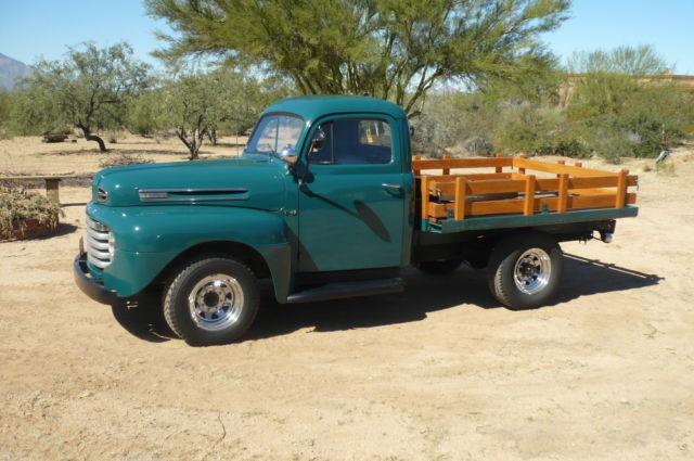 1948 Ford F-3 STAKE TRUCK== NO RESERVE !!, very low miles, This is a PUFF