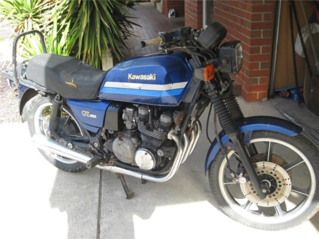 Kawasaki GT550 1988 model shaft drive classic cafe racer?