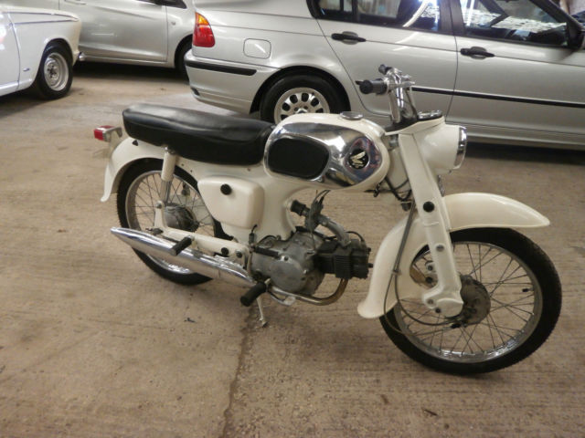 1964 HONDA C200 MOTORCYLE ** VERY RARE IN FACTORY WHITE ** ORIGINAL/UNMOLESTED