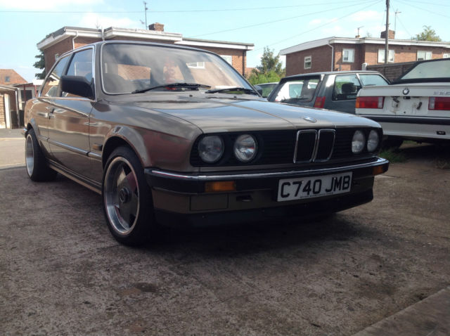 BMW E30 320 i auto coupe low miles classic