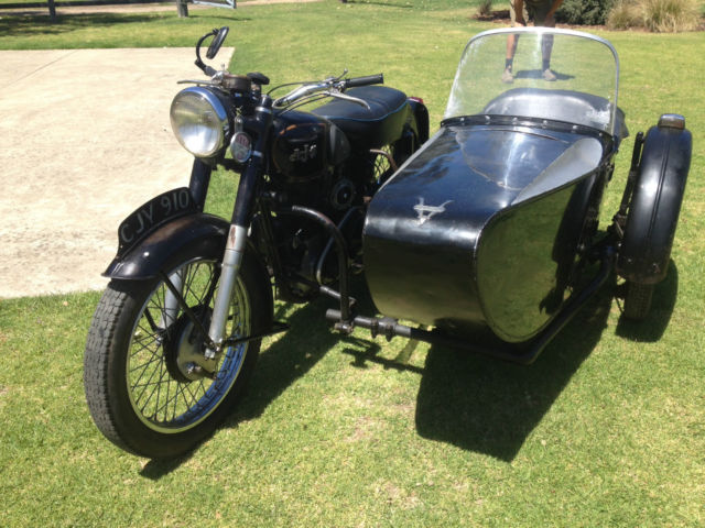 1952 AJS 500 Motorcycle model 18 & Swallow Sidecar Collectable