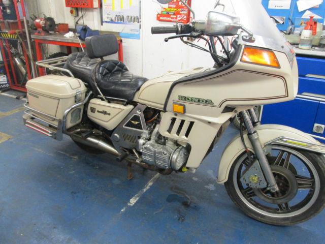 HONDA GOLDWING GL1000 B REG INTERSTATE SPARES OR REPAIR 1982
