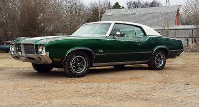 1972 Oldsmobile Cutlass 350 ROCKET S