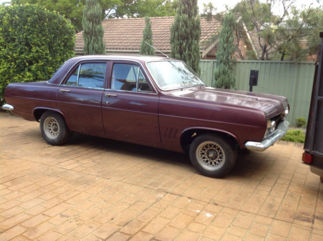 HR Holden unfinish proj from 85 straight nearly completely rust free lots parts