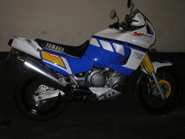 YAMAHA XTZ 750 SUPER TENERE 1989 ORIGINAL SPEC ....TAKE A LOOK !!!