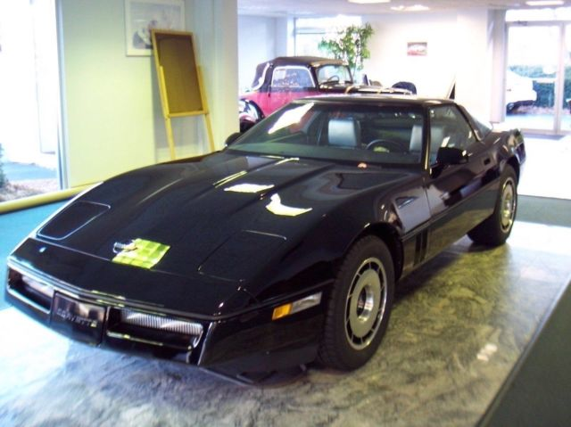 1984 CHEVROLET CORVETTE Z51 ONLY 856 MILES BLACK WITH GRAY LEATHER