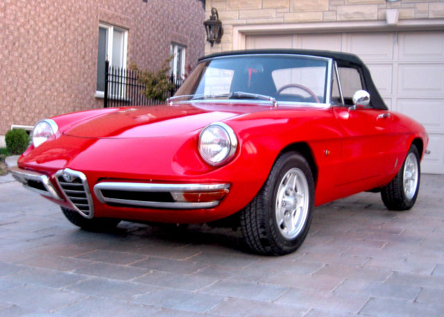 1967 Alfa Romeo Duetto Spider Convertible 2-Door 2.0L