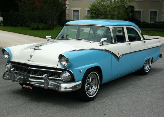 GREAT COLOR COMBO RESTORED - 1955 Ford Fairlane Town Sedan -  2K MILES