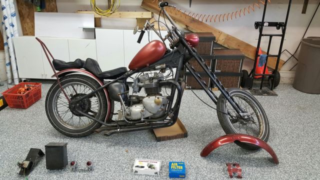 Late 60's to early 70's triumph bonneville or Tiger 750 rigid chopper barn find