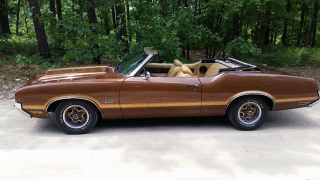 1970 Oldsmobile Cutlass Supreme Convertible (442 Clone)