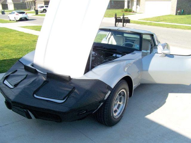1979 L82 Corvette T-tops